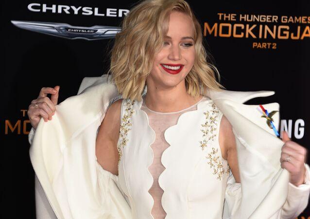 الممثلة جينيفر لورينس خلال العرض الأول لفيلمها The Hunger Games: Mockingjay - Part 2 ، لوس أنجيلوس 16 نوفمبر/ تشرين الثاني 2015.
