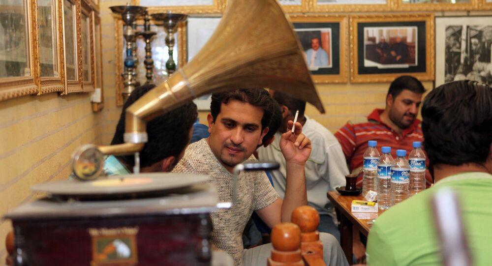 مقهى في بغداد