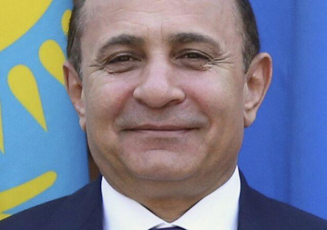 رئيس وزراء أرمينيا المستقيل هوفيك أبراهاميان