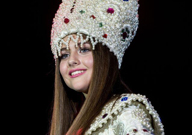 إحدى المشاركات في مسابقة الجمال ملكة جمال عموم روسيا