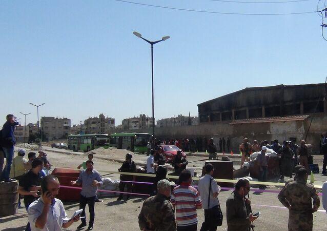 المسلحين في حمص حملوا حقائبهم المثقلة بخيبة الأمل