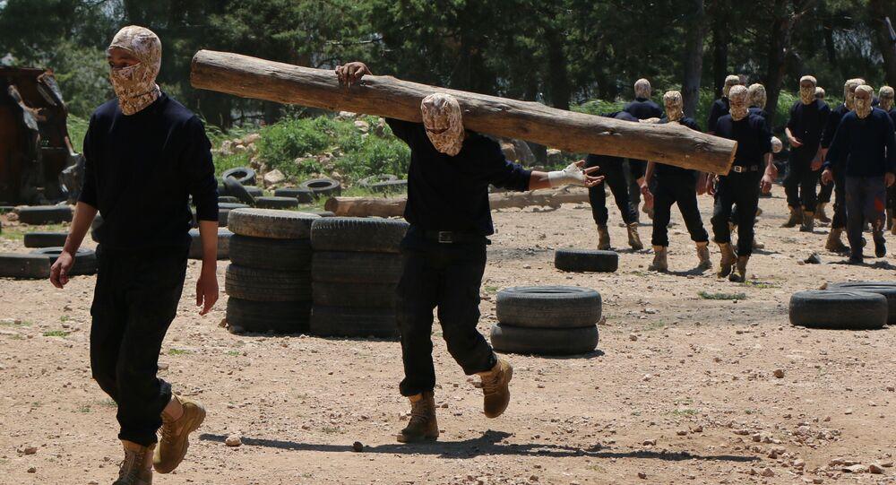 تدريبات عسكرية لـالجيش الحر