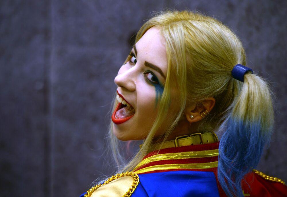فتيات أفلام الخيال - شخصية هيلاري كفين خلال مهرجان Comic Con Russia في موسكو