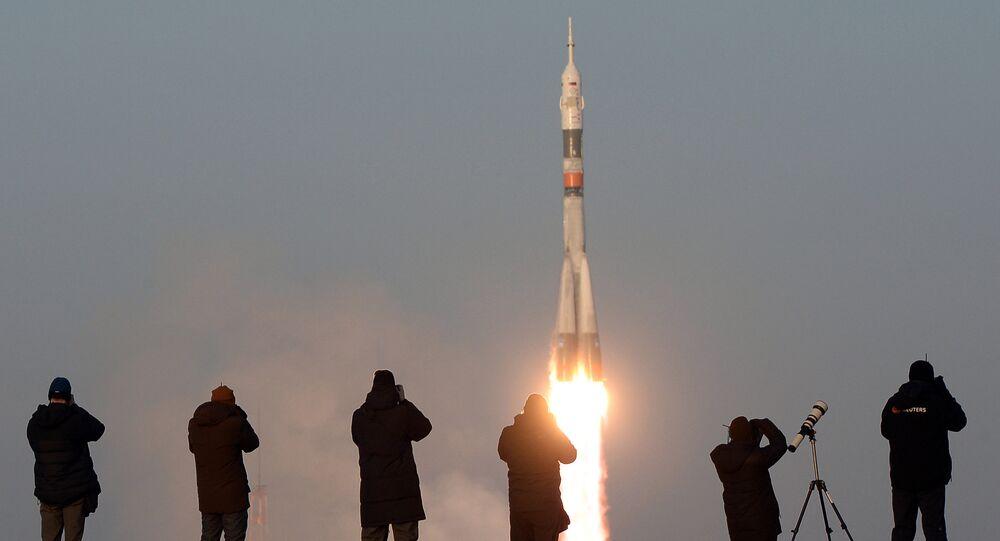 إطلاق صاروخ سويوز-اف.غ (Soyuz-FG) مع السفينة الفضائية سويوز ت.م.أ-19م (Soyuz TMA-19M) من مركز بايكونور الفضائية