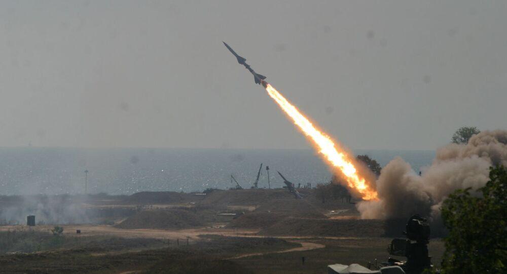 صاروخ صاروخ إس 75 - دفينا