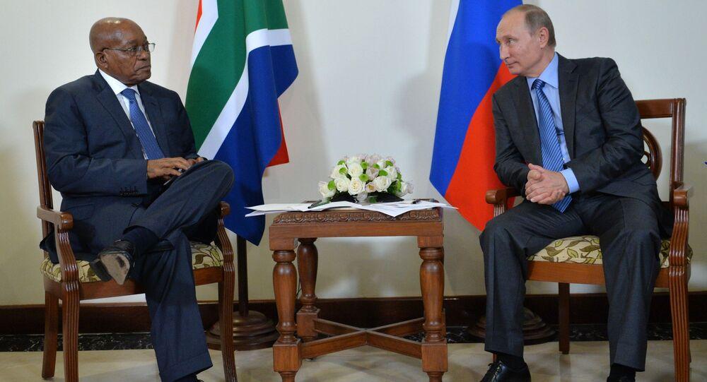 الرئيس الروسي فلاديمير بوتين ورئيس جمهورية جنوب أفريقيا جايكوب زوما  قمة بريكس في الهند