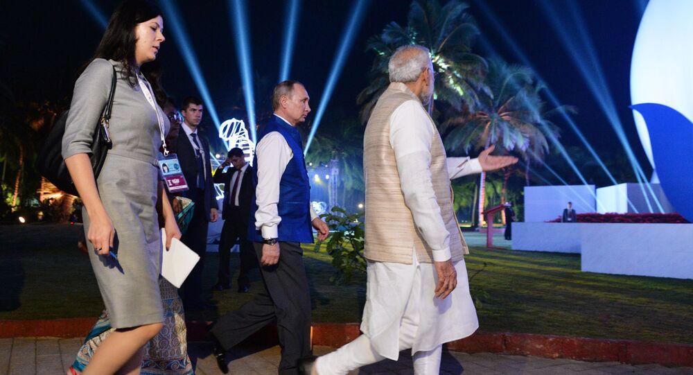 الرئيس الروسي فلاديمير بوتين والرئيس الهندي ناريندرا مودي خلال قمة بريكس في الهند