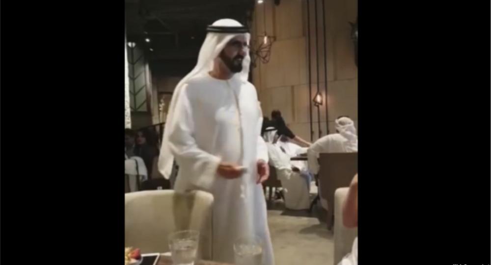 حاكم دبي يمازح غادة عبد الرزاق