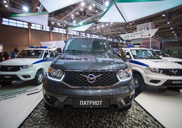 عرض مجموعة من السيارات خلال معرض أنتربوليتيك – 2016