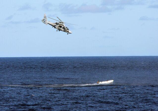 مروحية فرنسية تطارد قراصنة صوماليون