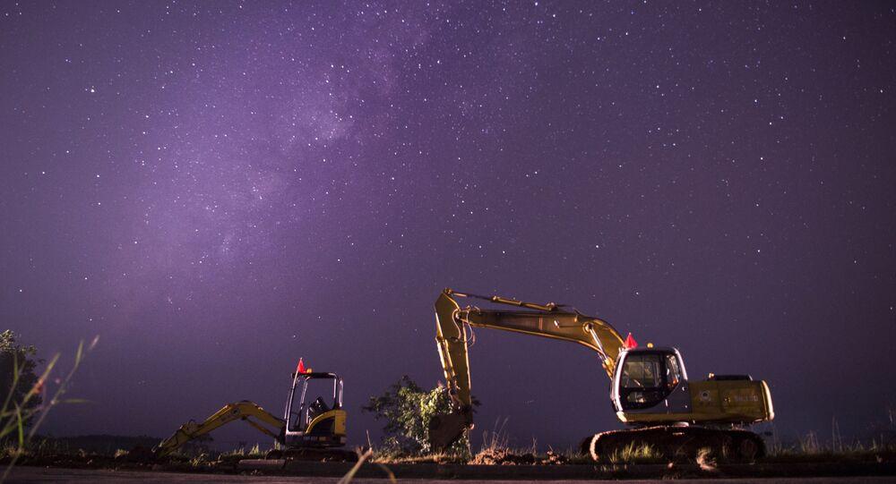 صورة لمجموعة درب التبانة في السماء واضحة ليلاً، ميانمار.