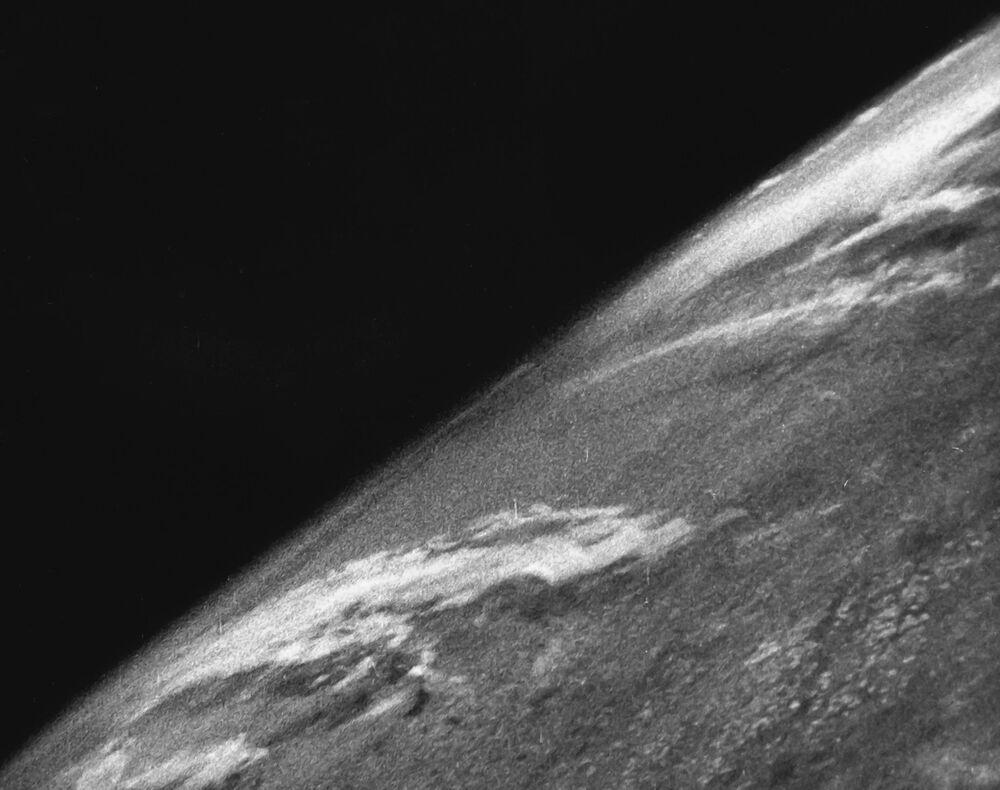 أول صورة لكوكب الأرض التقطت في 24 أكتوبر/ تشرين الأول 1946، وذلك عند إنطلاق صاروخ أمريكي V-2 rocket