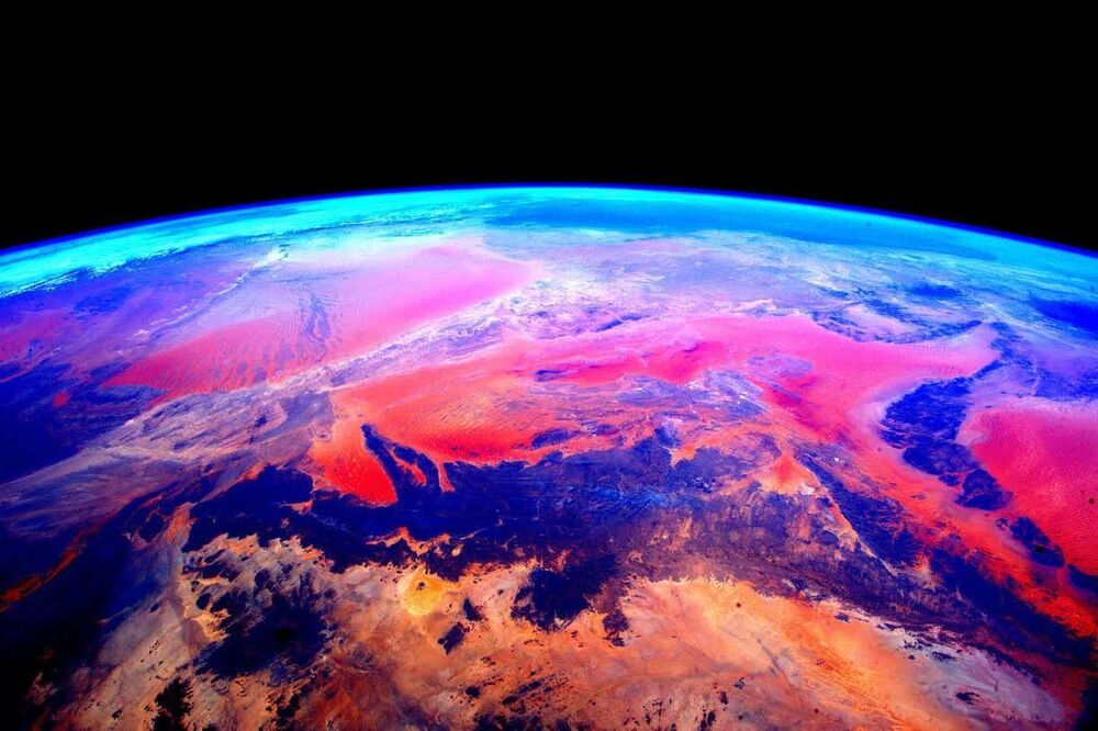 صورة لكوكب الأرض من محطة الفضاء الدولية  من قبل رائد الفضاء الأمريكي سكوت كيلي