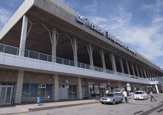مطار ماناس