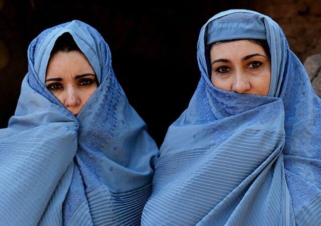 نساء أفغانيات