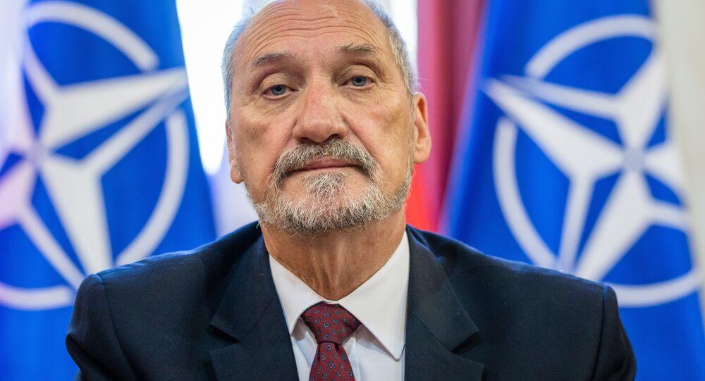 وزير الدفاع البولندي أنطوني ماتشيريفتش