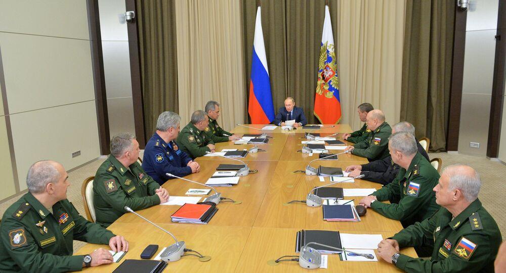 الرئيس بوتين يجتمع مع أركان وزارة الدفاع الروسية ومجمع الصناعات العسكرية