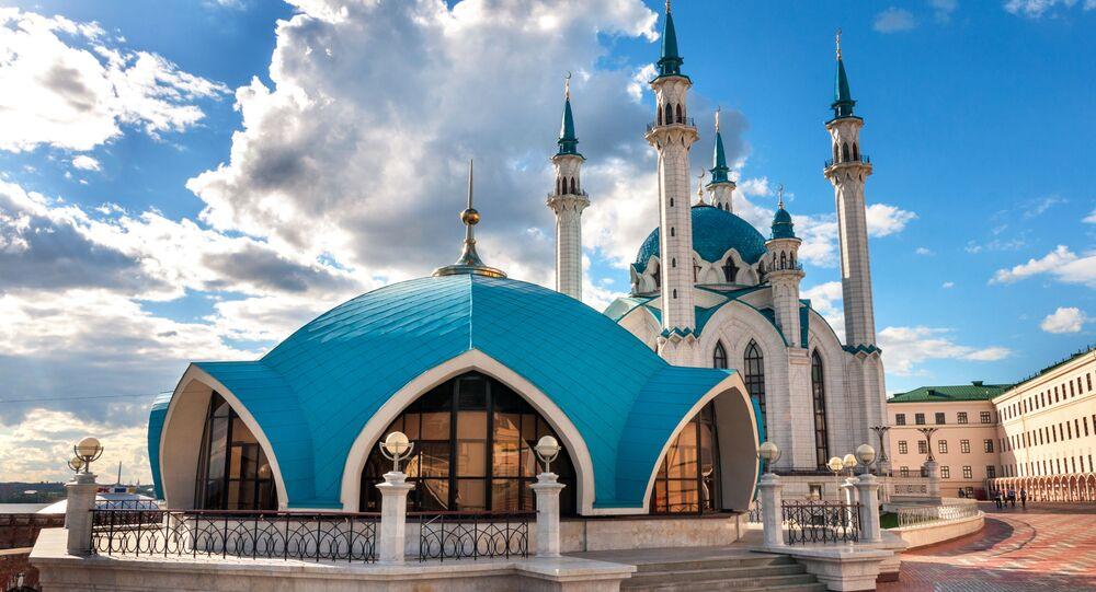 مسجد كول الشريف بجمع كرملين قازان بمدينة قازان بجمهورية تتارستان، روسيا.