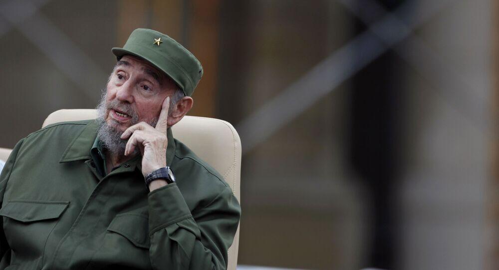الزعيم الكوبي فيدل كاسترو أثناء إلقاء خطاب بمناسبة الذكرى الـ 50 لتأسيس لجنة الدفاع عن الثورة الكوبية في هافانا، كوبا 28 سبتمبر/ أيلول 2016