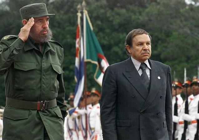من لقاء بين بوتفليقة وكاسترو عام 2000