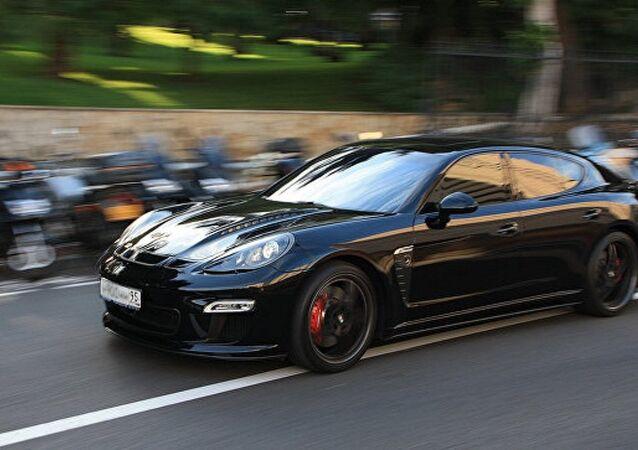 سيارة Porsche Panamera