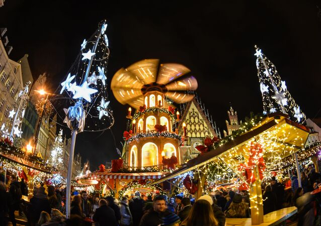 أضواء رأس السنة  في بروتسلاف، بولندا 28 نوفمبر/ تشرين الثاني 2016