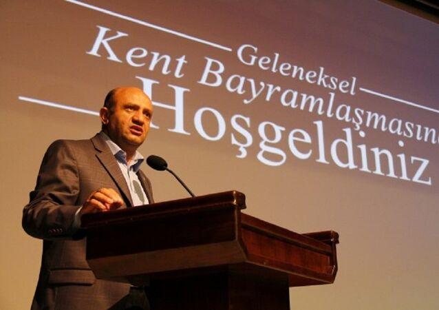 زير الدفاع التركي فكري إيشيق