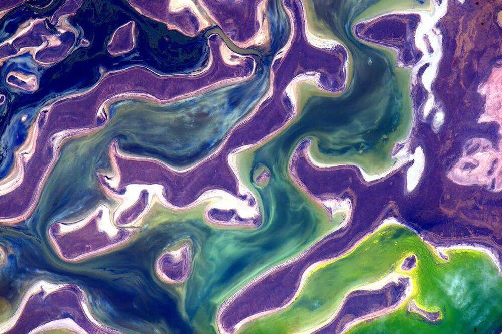صورة لكوكب الأرض من قبل رائد الفضاء الأمريكي سكوت كيلي من على محطة الفضاء الدولية