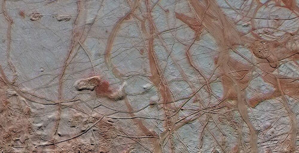 السطح الجليدي من القمر يوروبا التابع لكوكب المشتري، وكالة ناسا الفضائية