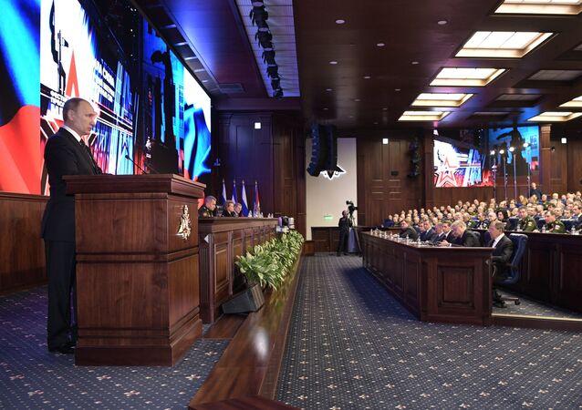 الرئيس بوتين يلقي كلمة بأركان وزارة الدفاع
