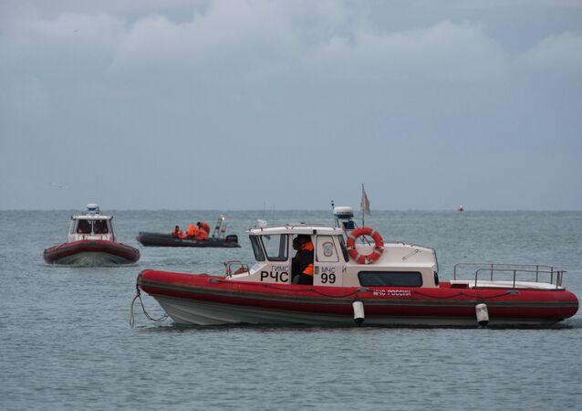 فرق الإنقاذ والبحث عن الطائرة المنكوبة تو-154 في البحر الأسود