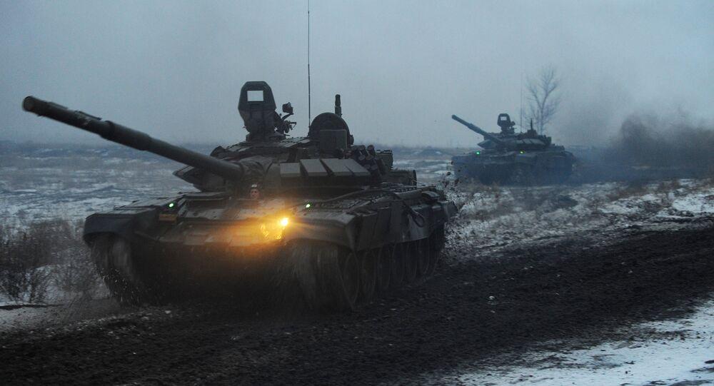 دبابات خلال تدريب