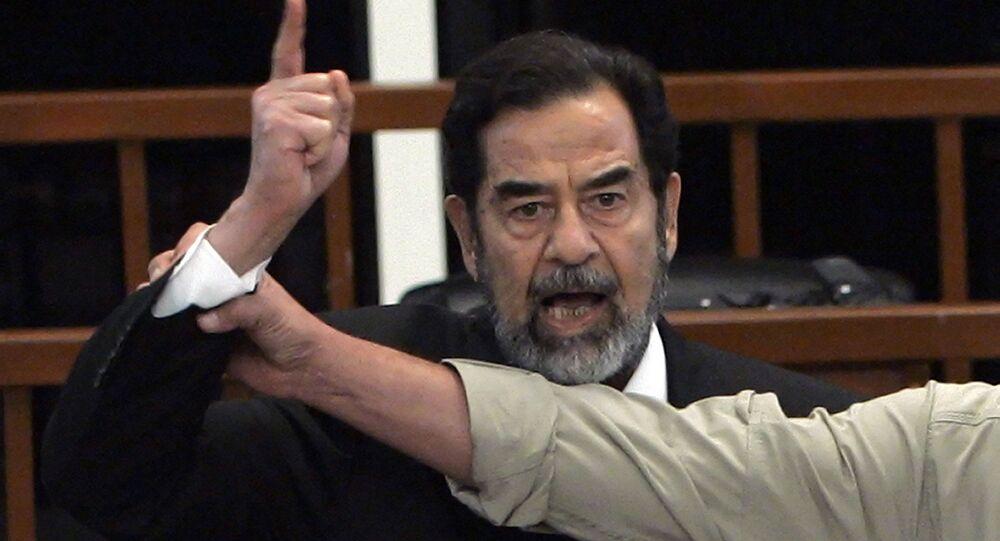 الرئيس العراقي السابق صدام حسين أثناء محاكته، 5 نوفمبر/ تشرين الثاني 2006