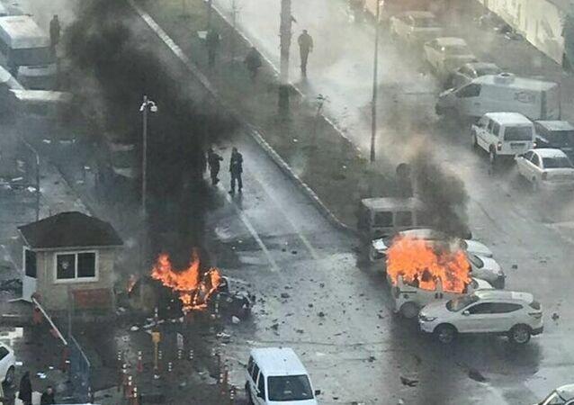 انفجار في إزمير