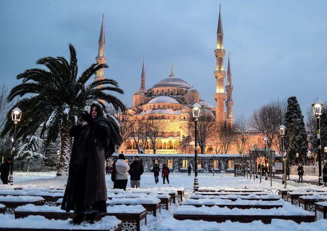 مسجد السلطان أحمد (الجامع الأزرق) في اسطنبول