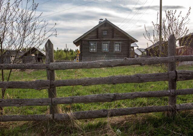 منزل خشبي في قرية كينرما في جمهورية كاريليا