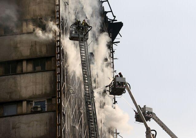 انهيار برج في طهران