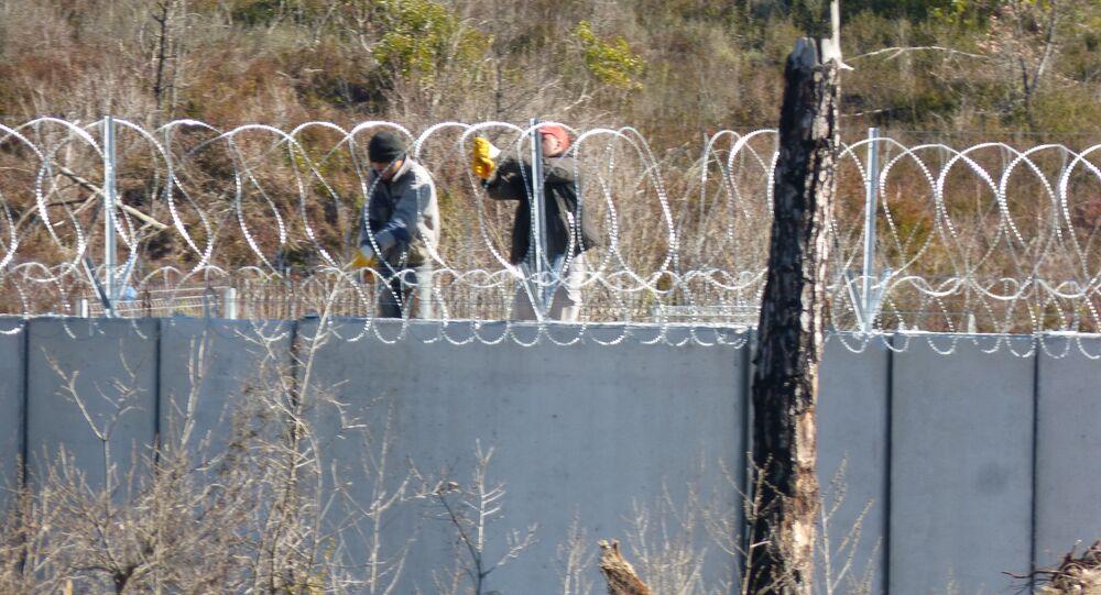 جدار تركيا العازل على الحدود السورية