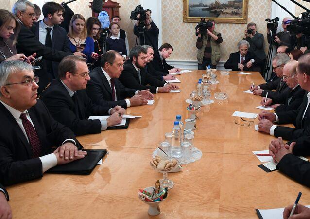 اجتماع سيرغي لافروف مع وفد المعارضة السورية