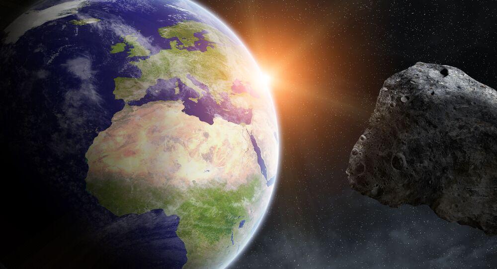 كويكب يصطدم بالأرض