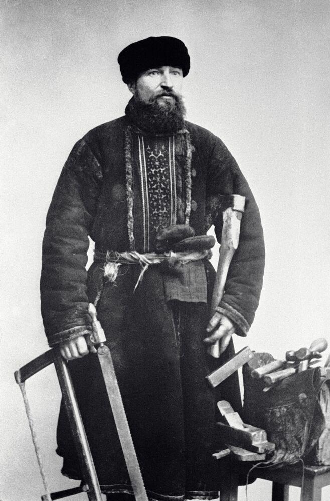 نجار، موسكو عام 1913