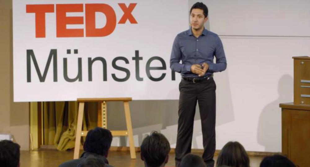 عبد الرحمن يقدم مشروعه في مؤتمر تيدإكس العالمي بمدينة منستر الألمانية