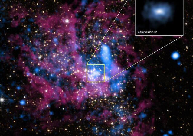 ثقب أسود يحمل اسم Sagittarius A* في وسط المجرة Milky Way galaxy. (مجرة درب التبانة)