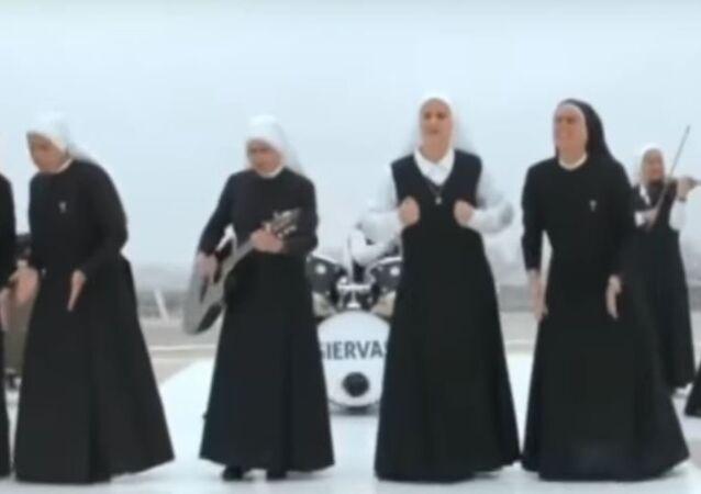 فرقة الراهبات