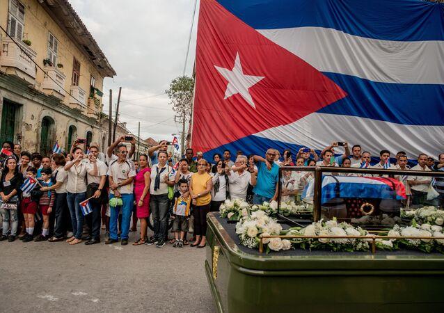 جائزة صورة الصحافة العالمية لعام 2017 (World Press Photo 2017)  - اسم الصورة كوبا على وشك التغيير  (Cuba On The Edge Of Change) - المرتبة الأولى للمصور توماس مونيتا