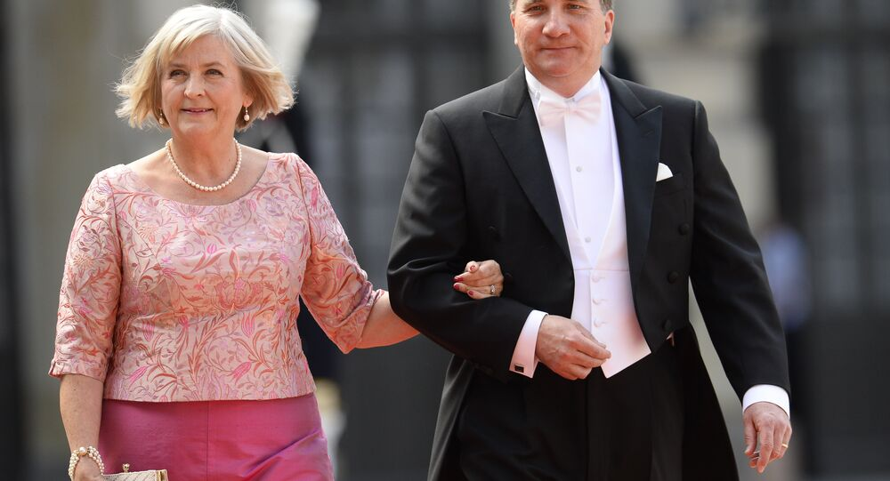 رئيس الوزراء السويدي ستيفان لويفين برفقة زوجته أولا