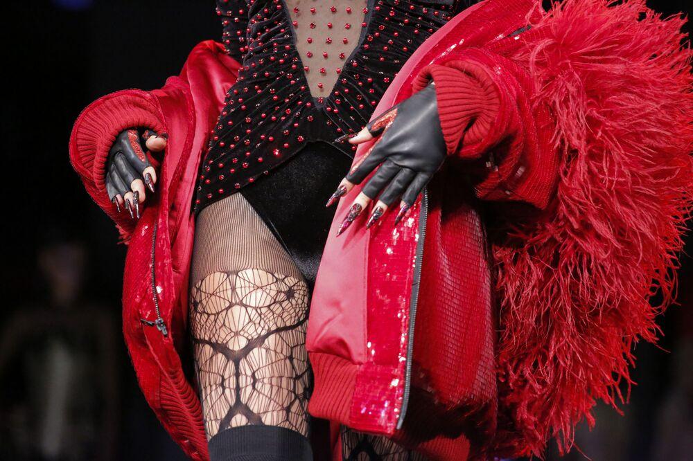 عارضات أزياء تقدم مجموعة أزياء  من ذا بلوندس في عرض أسبوع نيويورك للموضة، مانهاتن، الولايات المتحدة 13 فبراير/ شباط 2017