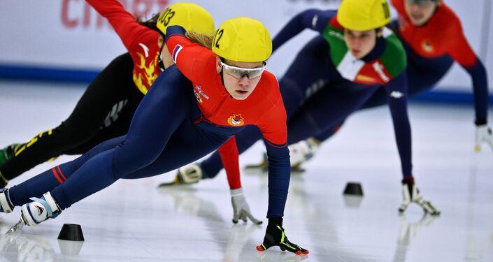 مسابقة التزلج السريع للنساء لمسافة 1000 من بطولة العالم العسكرية في سوتشي