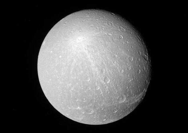فوهات كريوسا على سطح القمر - ويعتقد العلماء أنه من خلال هذه الفوهات يمكن معرفة تاريخ ومصدر إنشاء هذه الفوهات