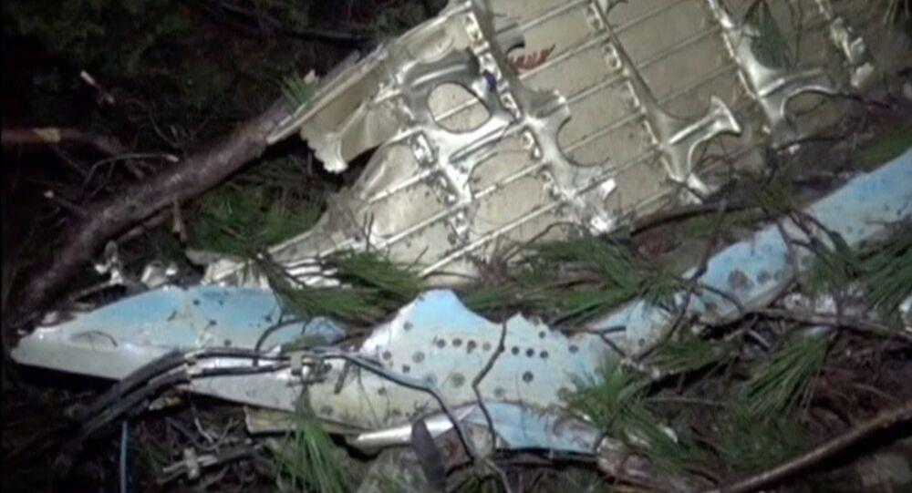 الطائرة السورية المتحطمة عند الحدود التركية